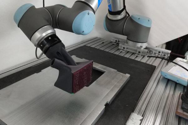 univerzálna robotická paže